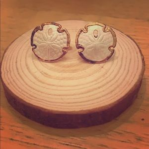 Jewelry - *3 for $20* Vintage Sand Dollar Studs